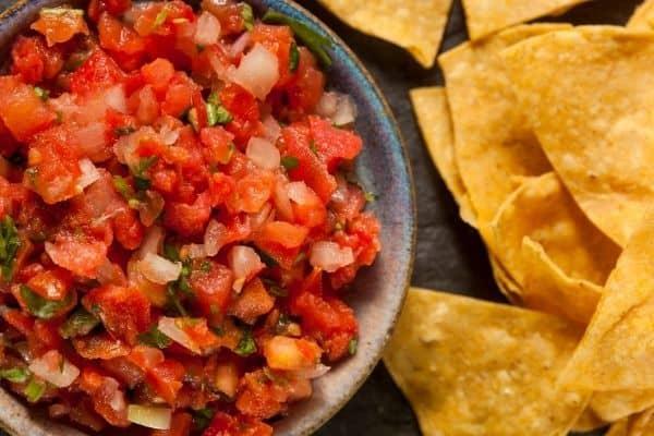 The Best Homemade Salsa (Fresh)