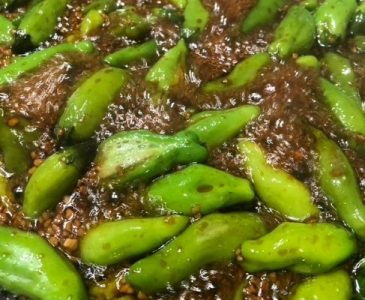 Shishito Peppers Cooked in Soy Sauce and Garlic