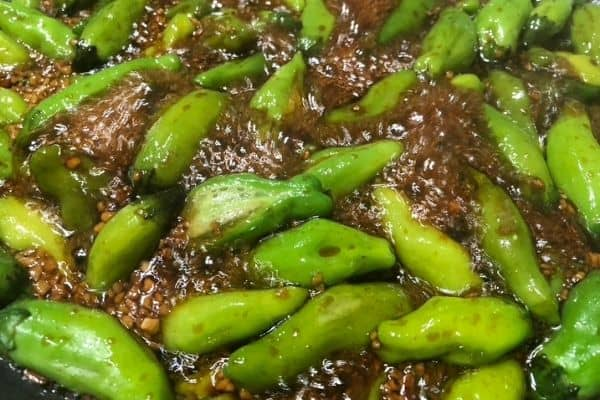 Shishito Peppers With Garlic and Soy Sauce